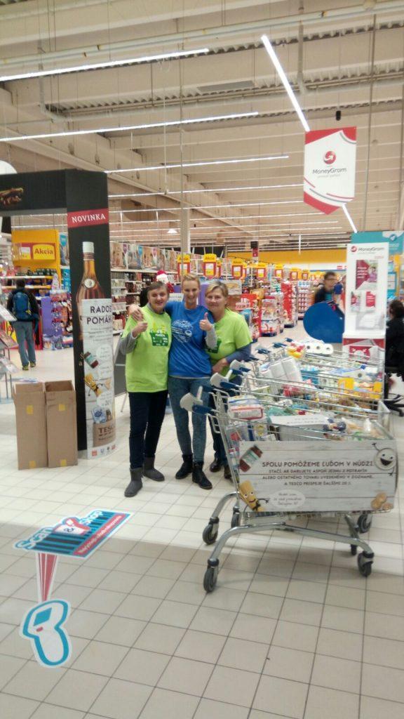 Dom Svätej Alžbety - Zbierka potravín cez Potravinovú banku v HM TESCO 2017